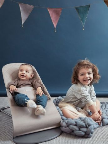 Кресло-шезлонг BabyBjorn Balance Sand Grey Mesh Песочно-серый - Фото 2