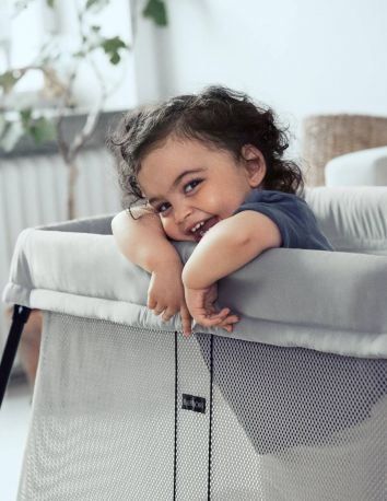 Складной манеж-кровать BabyBjorn Travel Crib Light Серебристый - Фото 5